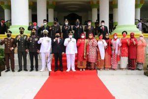 HAKIM PENGADILAN AGAMA TANJUNGBALAI IKUTI UPACARA PERINGATAN DETIK-DETIK PROKLAMASI HUT KE-76 REPUBLIK INDONESIA BERSAMA JAJARAN FORKOPIMDA KOTA TANJUNGBALAI